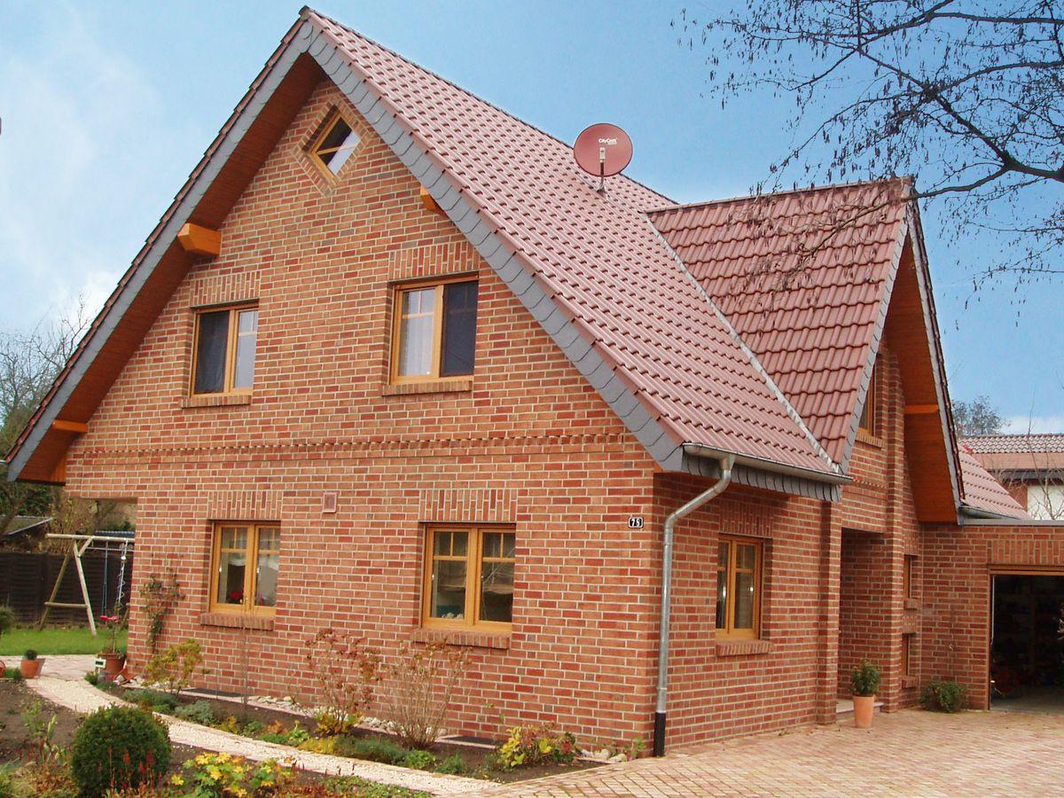 Vorderbr ggen bau gmbh for Klassisches einfamilienhaus